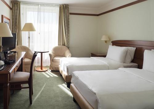 Radisson Slavyanskaya Hotel & Business Center - image 4