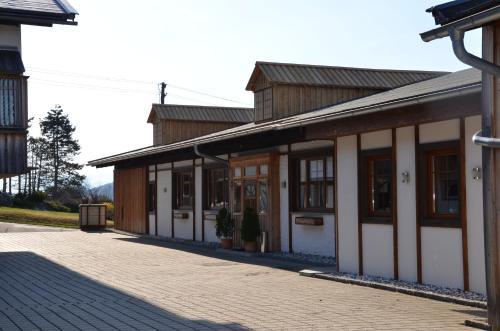 Pension zum Schreiner - Accommodation - Nassfeld Hermagor