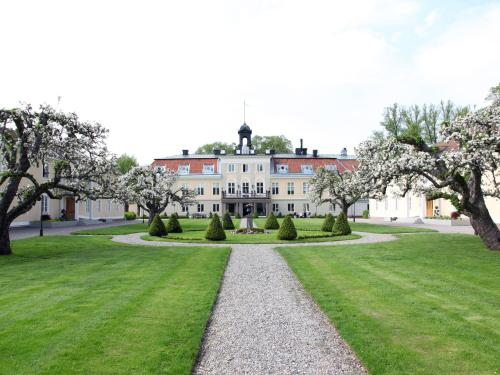 Kasteel-overnachting met je hond in Södertuna Slott - Gnesta