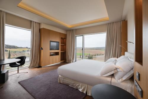 Suite Royal Prémium Eurostars Valbusenda Hotel Bodega & Spa 4