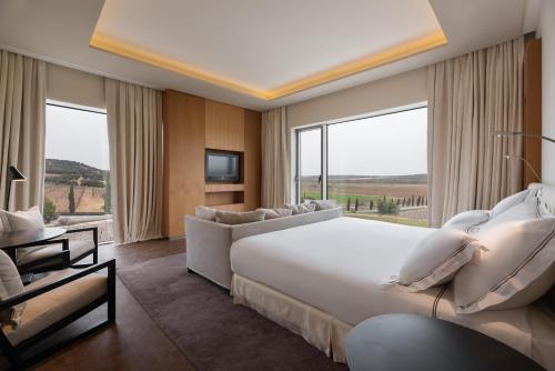 Suite Royal Deluxe Eurostars Valbusenda Hotel Bodega & Spa 2