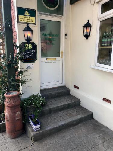 . Aberthaw House Hotel