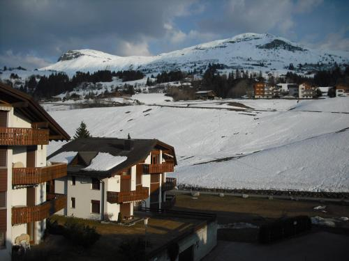 Ferienwohnung im Haus Primula - Apartment - Obersaxen