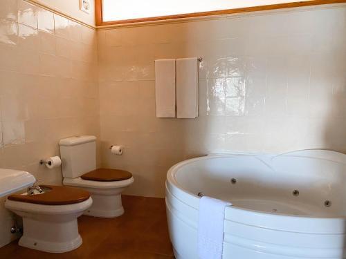 Double Room with Spa Bath Mas Trobat 17