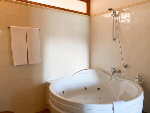 Double Room with Spa Bath Mas Trobat 16