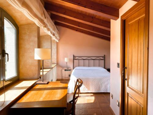 Double Room with Spa Bath Mas Trobat 10