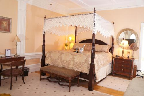 Silver Fountain Inn - Accommodation - Dover