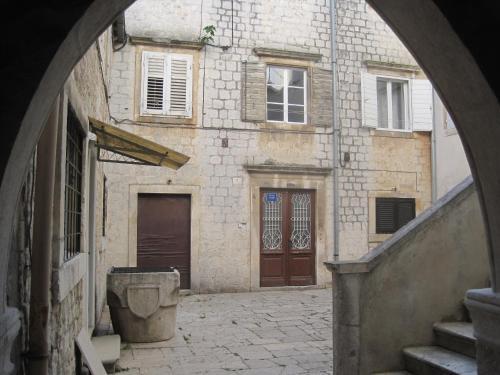 Room Mira, Pension in Trogir