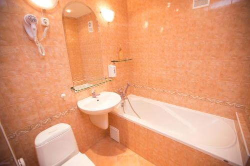 Classic Double Room with Shared Bathroom