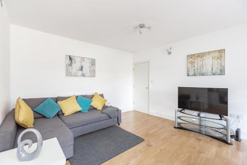 . The Gyllingeham Suite 1