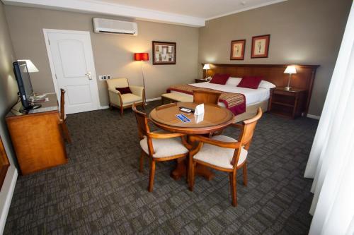 . Tucuman Center Suites&Business