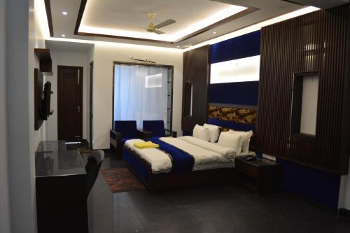 . JJK Rukmini Vilas Hotel & Banquet