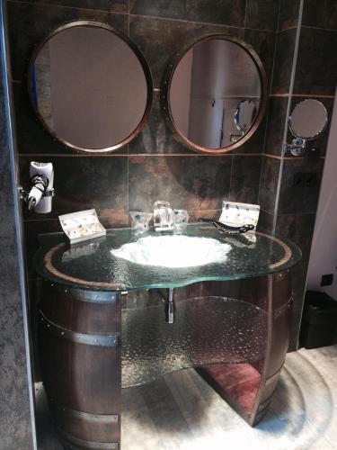 Superior Suite - single occupancy Hotel el Lagar de Isilla 10
