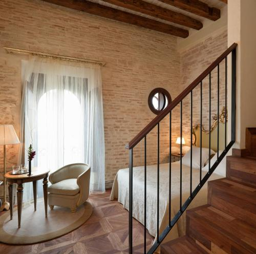 Deluxe Room with Terrace and Jacuzzi® Hotel Casa 1800 Sevilla 34