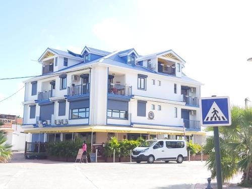 Résidence TOULOUKAÉRA - Location saisonnière - Grand-Bourg