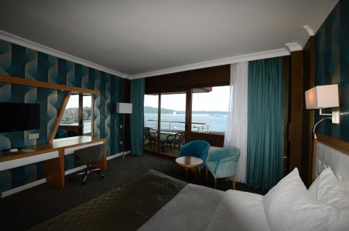 Bilik Deluxe Double atau Twin dengan Pemandangan Laut (Deluxe Double or Twin Room with Sea View)