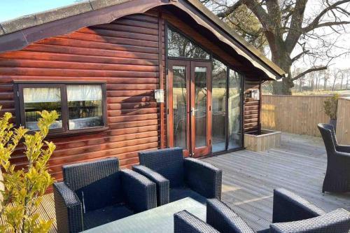 The Woodland Golf Lodge at Glenbervie House Hotel - Chalet - Falkirk