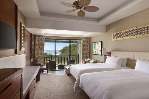 Garden Wing Deluxe Twin Room with Sea View