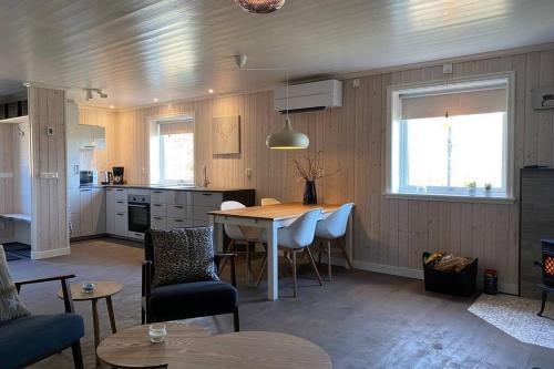 Adventure Guesthouse Sweden in rural area Sunne - Chalet