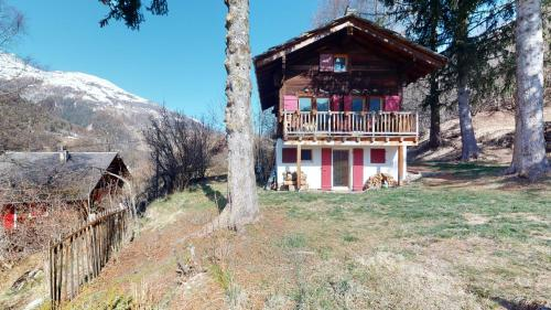 Idyllic chalet in Evolène, with view on the Dent Blanche and the mountains - Hotel - Evolène