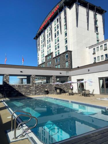 Carriage House Hotel and Conference Centre - Calgary