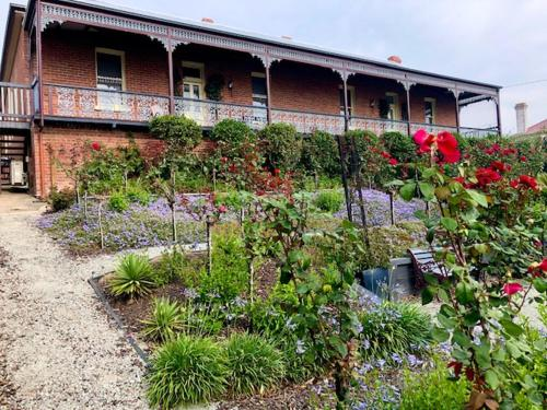 . Bairnsdale Bed and Breakfast