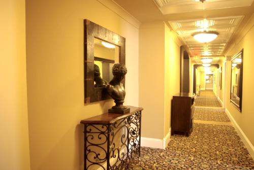Grant Hall Hotel - Moose Jaw, SK S6H 0W5