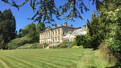 . Kilworth House Hotel and Theatre