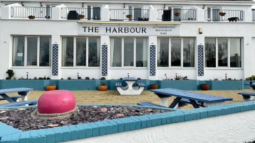 The Harbour Bar & Bistro
