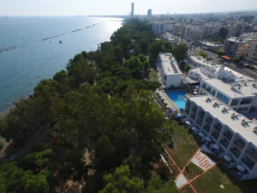 . Park Beach Hotel