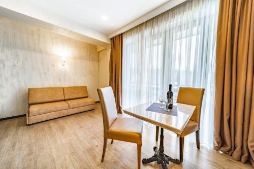 BM Plaza - Hotel - Bakuriani