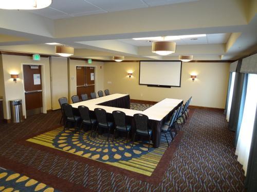 Glacier Peaks Hotel - Browning, MT 59417