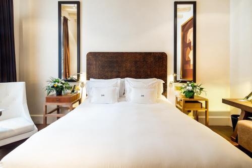 Habitación Deluxe con cama extragrande Sonder l DO Plaça Reial 4