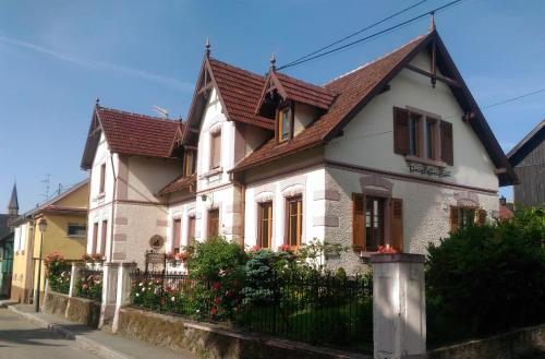 Les chambres au pied du Haut-Koenigsbourg - Accommodation - Kintzheim