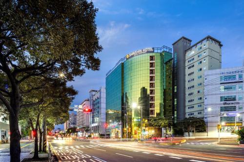 . Shinshin Hotel Jeju Airport