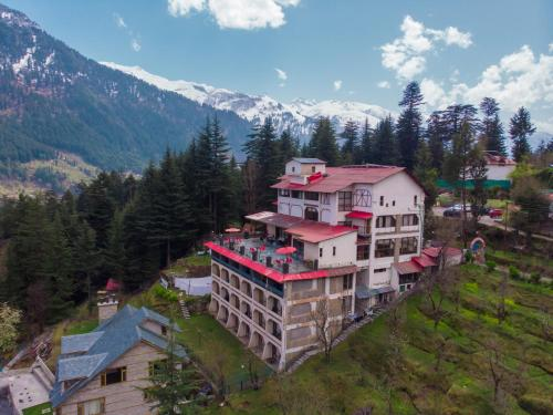 . Hotel Snowcrests Manor