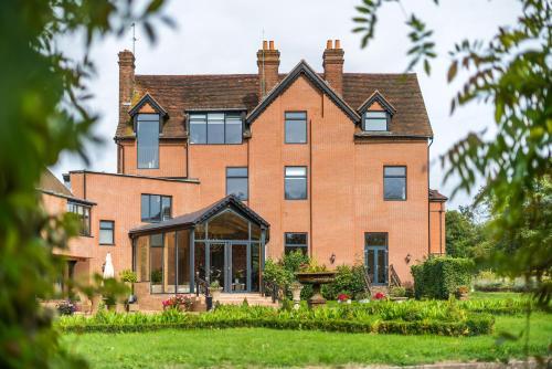 Guildford Manor Hotel & Spa