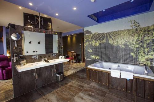 Junior Suite - single occupancy Hotel SPA Bodega El Lagar de Isilla 5