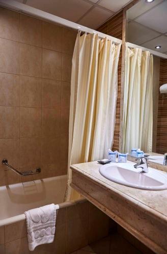 Safir Hotel Cairo - image 3