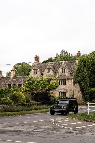 . The Double Red Duke, Cotswolds