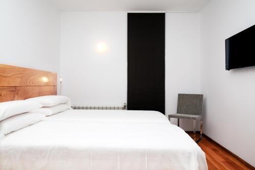 Standard Twin Room with Mountain View Hotel A Miranda 1