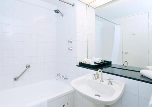 Crowne Plaza Canberra, an IHG hotel - Hotel - Canberra