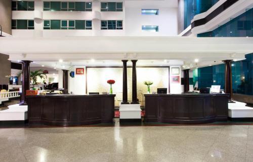 Hotel Windsor Suites & Convention Sukhumvit 20 photo 6