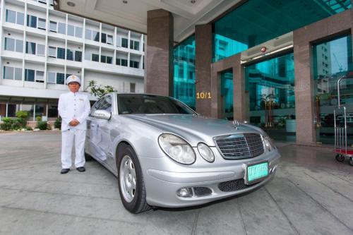 Hotel Windsor Suites & Convention Sukhumvit 20 photo 7