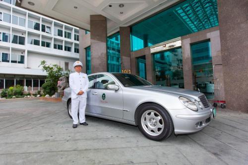 Hotel Windsor Suites & Convention Sukhumvit 20 photo 8