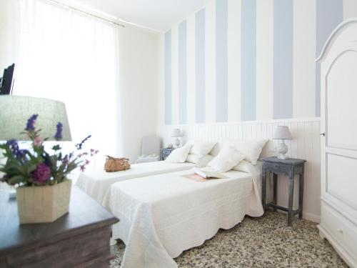 Lungomare Rooms And Charme