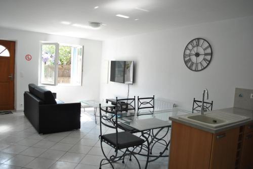 L'HIRONDELLE - Apartment - Saint-Laurent-de-Mure