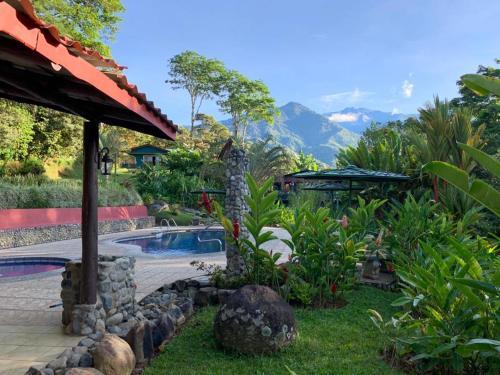 . Hotel de Montaña El Pelicano