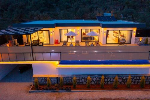 Villa Corleone-Modern Villa with Jacuzzi in Kalkan - Accommodation - Kas