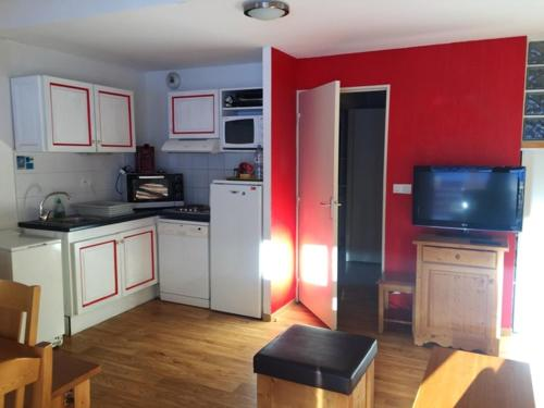 Apartment with 2 bedrooms in La foux d'Allos with wonderful mountain view shared pool and terrace - Location saisonnière - Allos